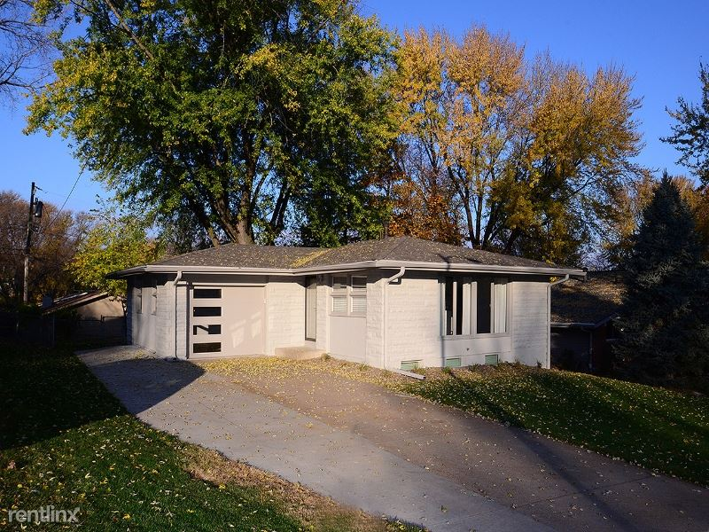 4618 N 83rd St, Omaha, NE - 1,830 USD/ month