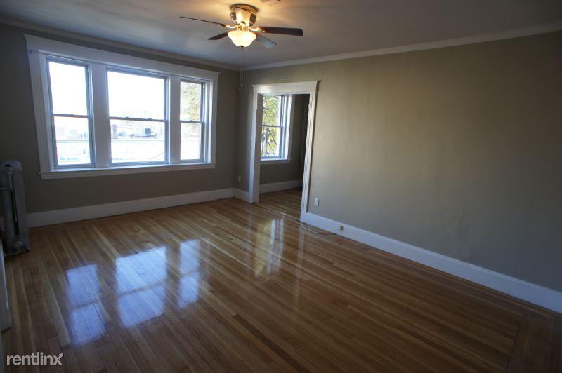 1607 Commonwealth Ave, Boston, MA - 1,675 USD/ month
