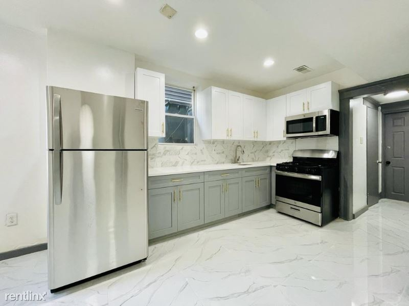 442 Bergen Ave Bsmt, Jersey City, NJ - 1,749 USD/ month