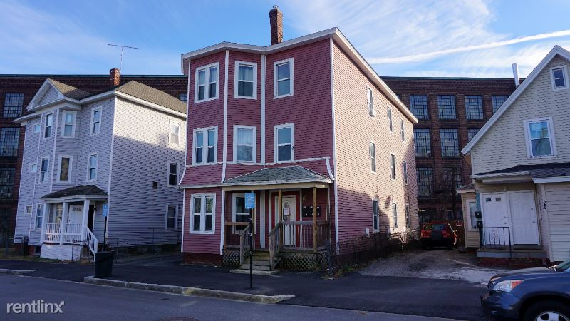 23 Crompton St 3, Worcester, MA - 1,600 USD/ month