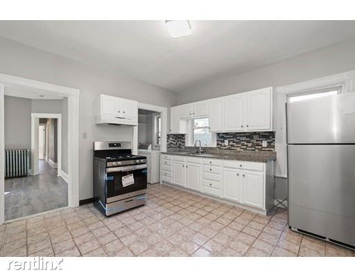 5 Haverford St 3, Boston, MA - 2,900 USD/ month