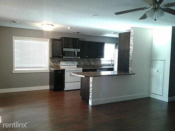 201 Broadmore St, Plentywood, MT - 1,000 USD/ month