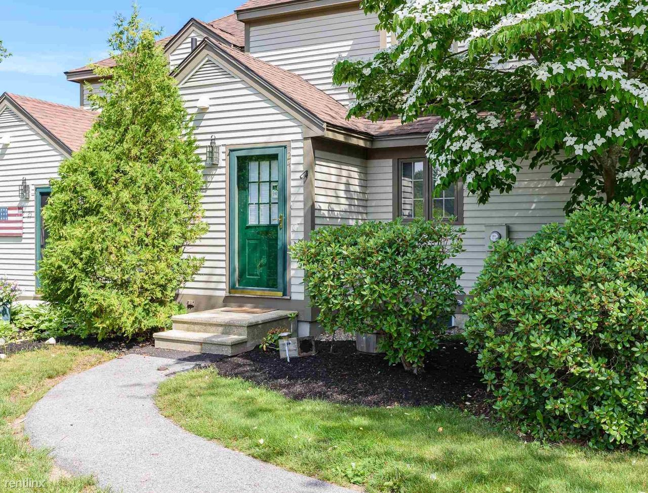 24 Surrey Run # 24, Dover, NH - 1,000 USD/ month