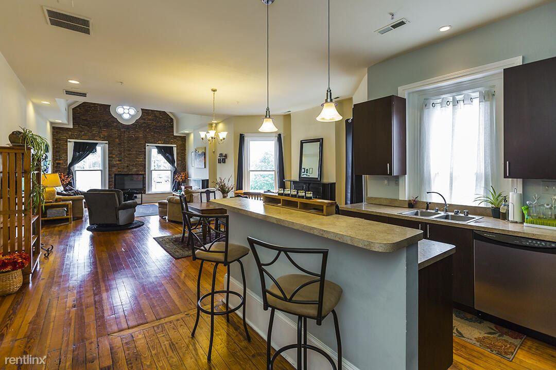 257 S Limestone, Lexington, KY - 996 USD/ month