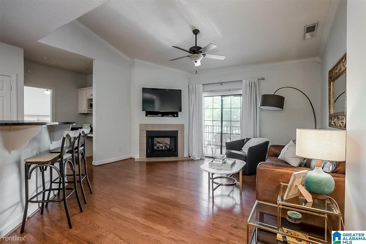 166 Pleasant Ave Apt 1, Portland, ME - 1,000 USD/ month