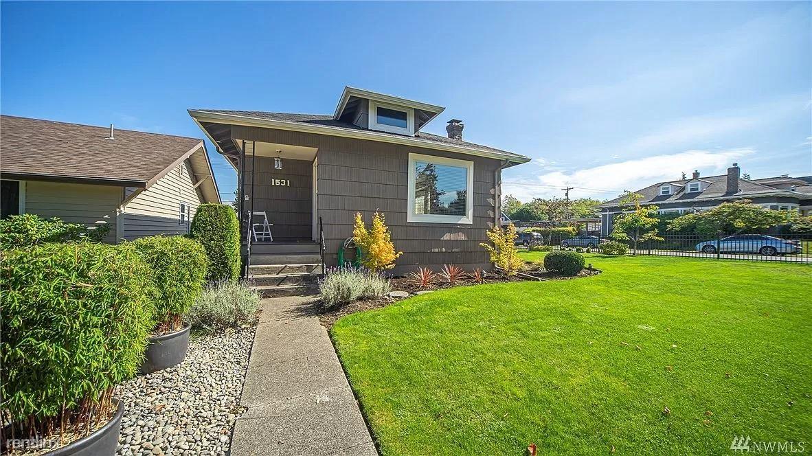 1531 Hoyt Ave, Everett, WA - 1,500 USD/ month