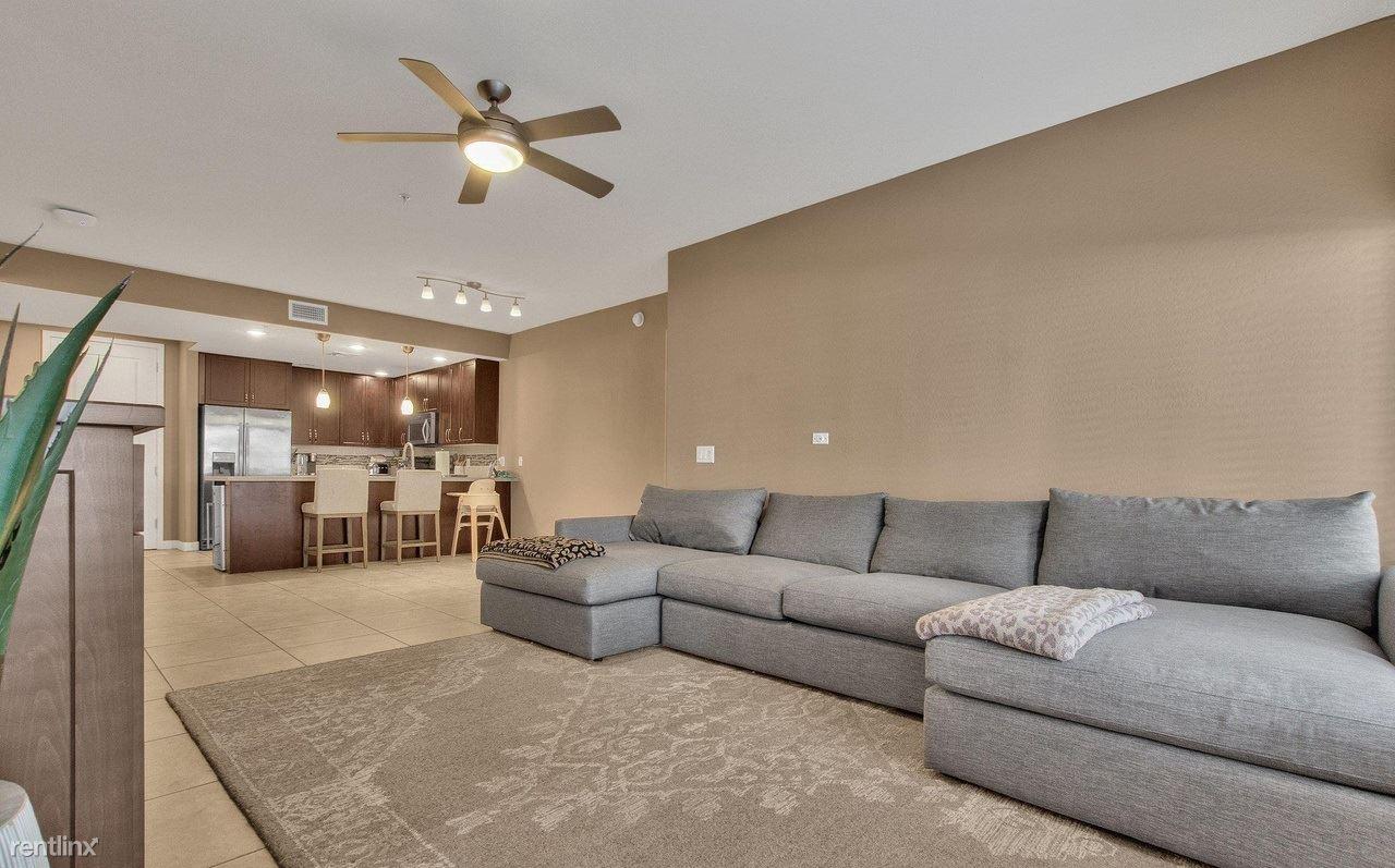 5450 E Deer Valley Dr, Phoenix, AZ - 990 USD/ month