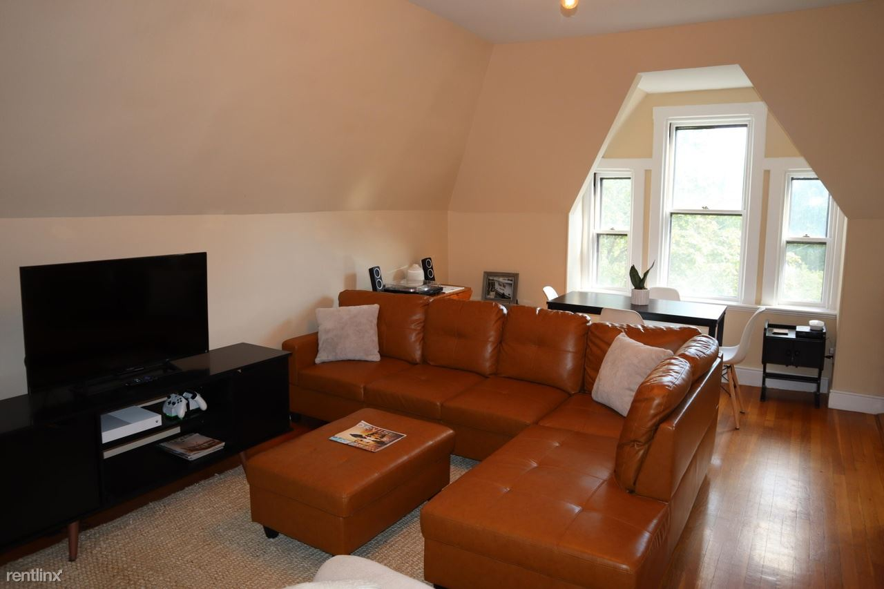 117 Pine St, Portland, ME - 999 USD/ month
