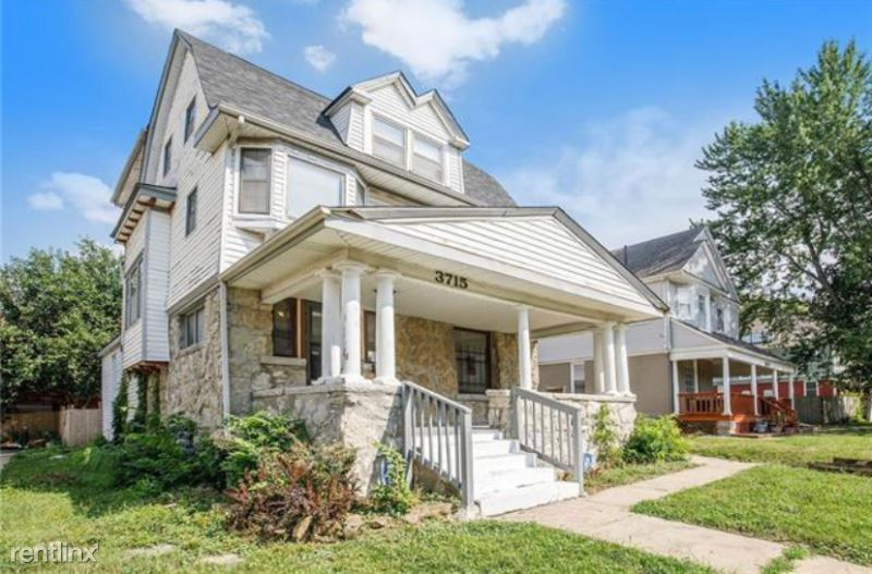 3715 Baltimore Ave, Kansas City, MO - 2,600 USD/ month