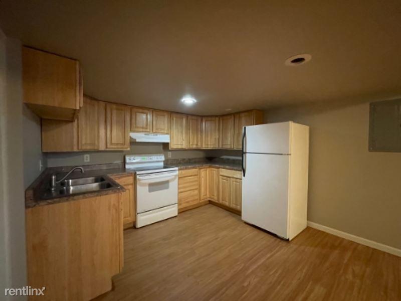 1017 1/2 Avenue B, Billings, MT - 795 USD/ month