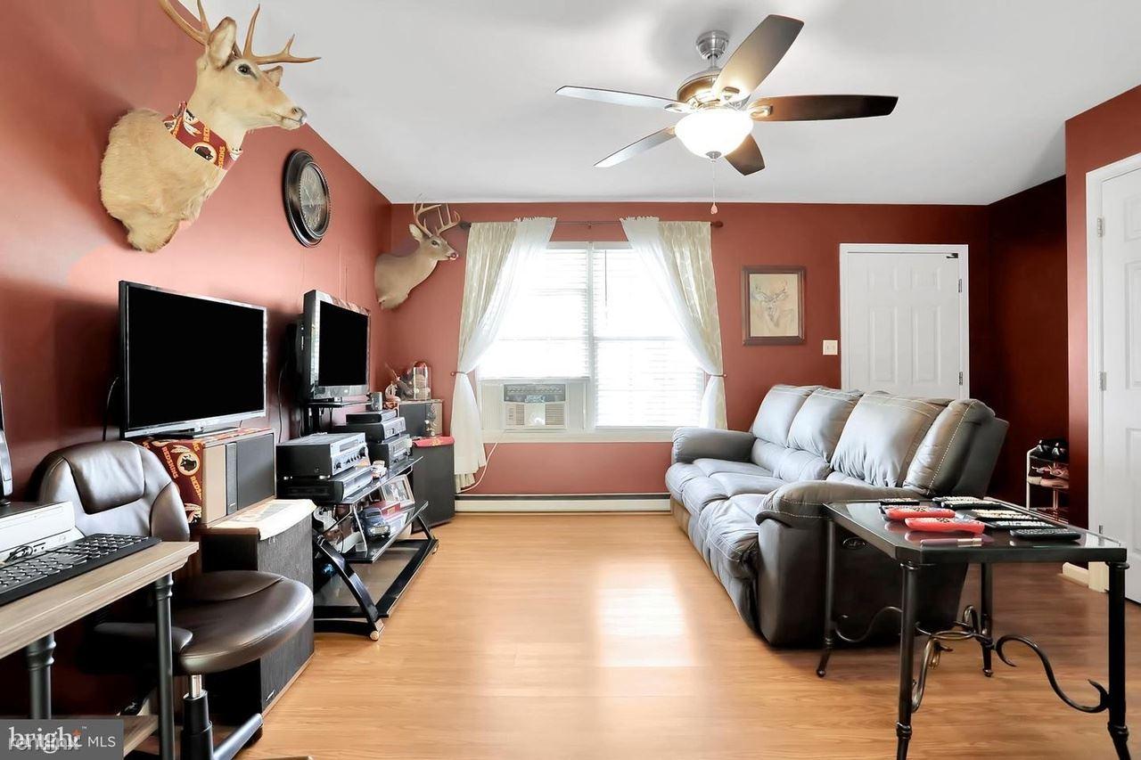 136 Arch St, Martinsburg, WV - 948 USD/ month