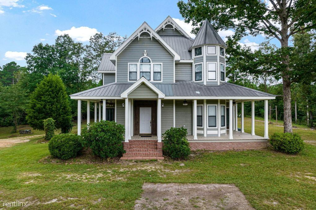 1361 Oloh Road, Sumrall, MS - 1,600 USD/ month