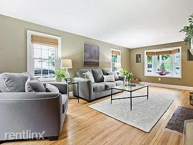 30 Libby St, Portland, ME - 900 USD/ month