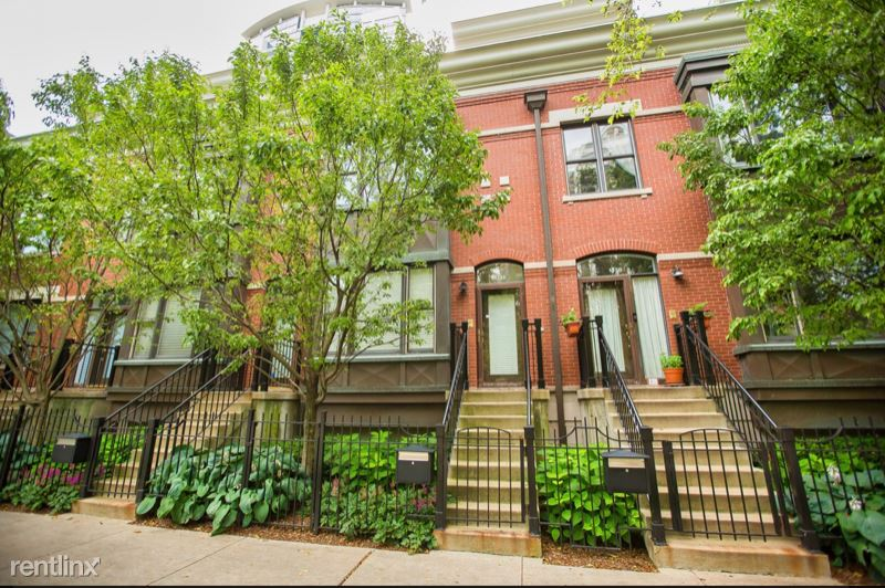 1332 S Indiana Ave, Chicago, IL - 3,600 USD/ month
