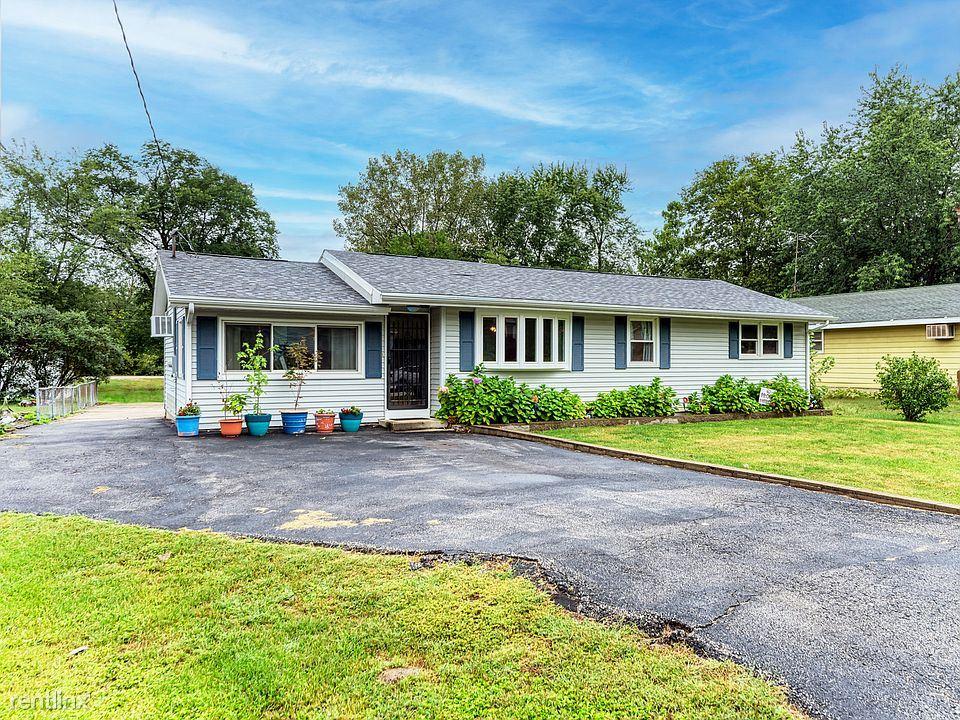 34146 S Wildwood St, Wilmington, IL - 2,000 USD/ month