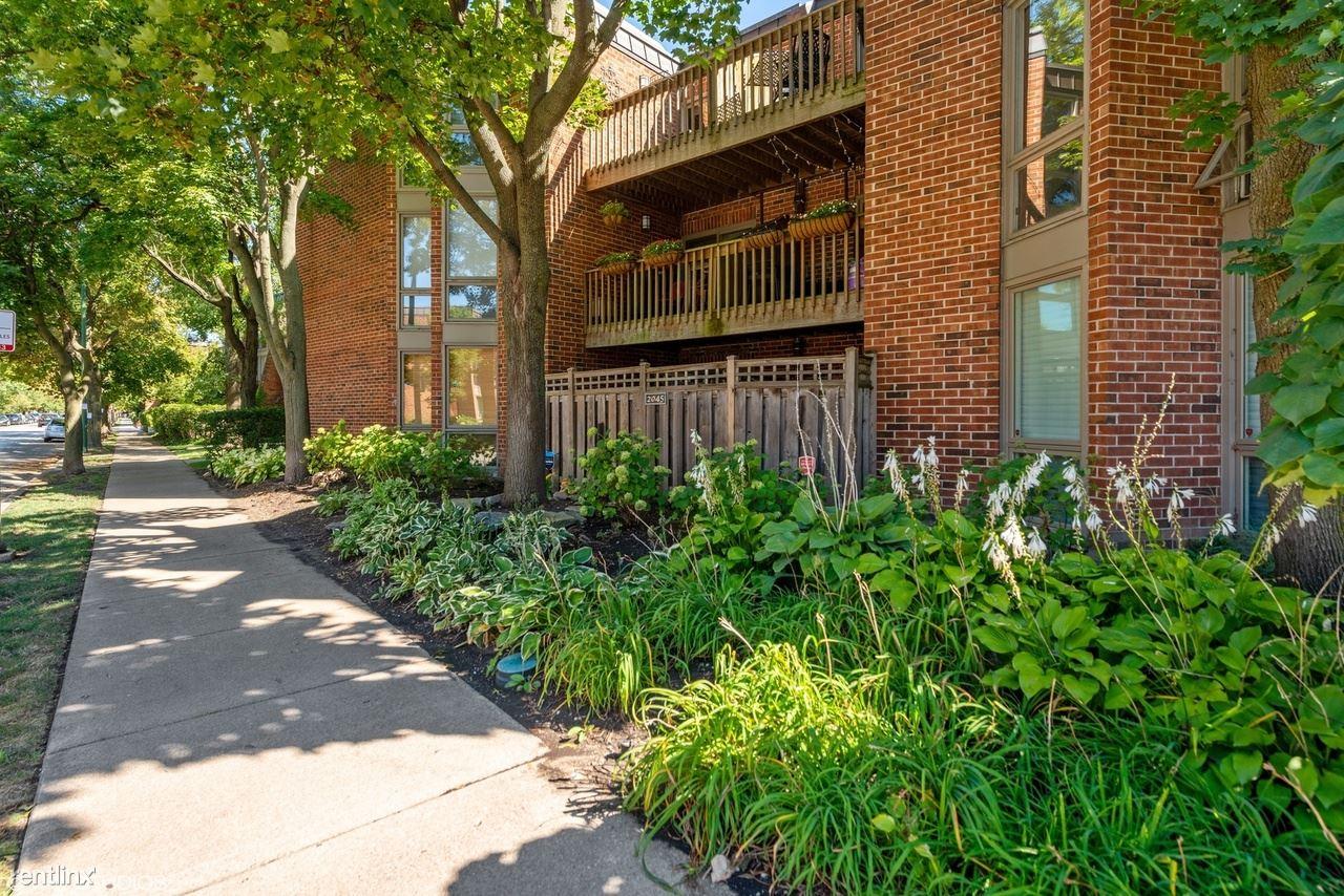 2045 N Larrabee St Apt 7208, Chicago, IL - 950 USD/ month