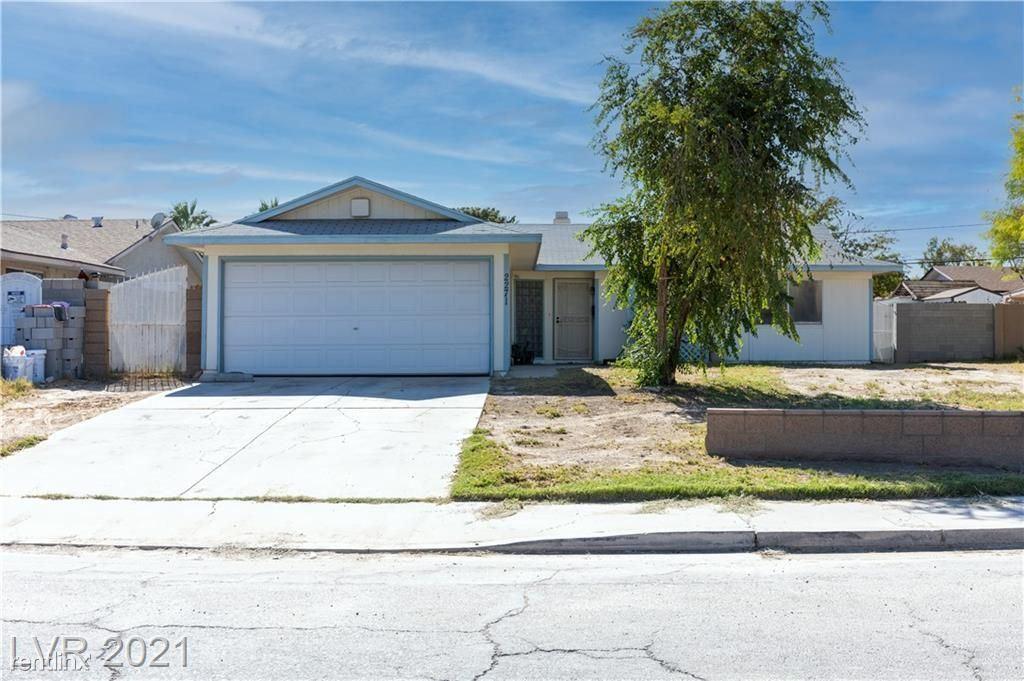 2271 Citroen St, Las Vegas, NV - 800 USD/ month