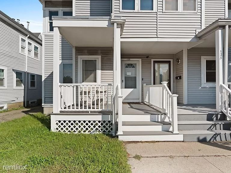 125 Woodrow Ave, Boston, MA - 1,700 USD/ month