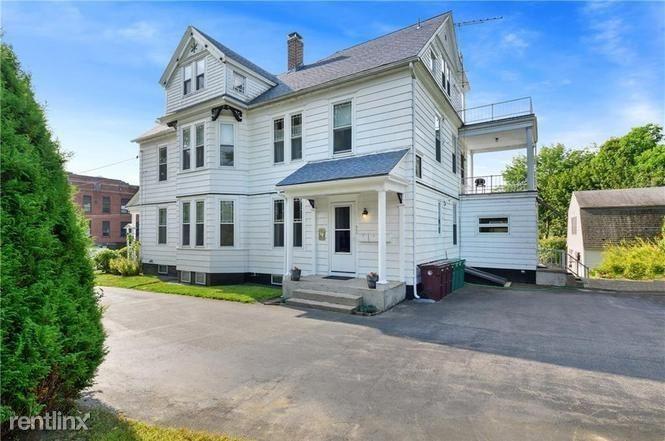 395 S Main St, Woonsocket, RI - 1,395 USD/ month