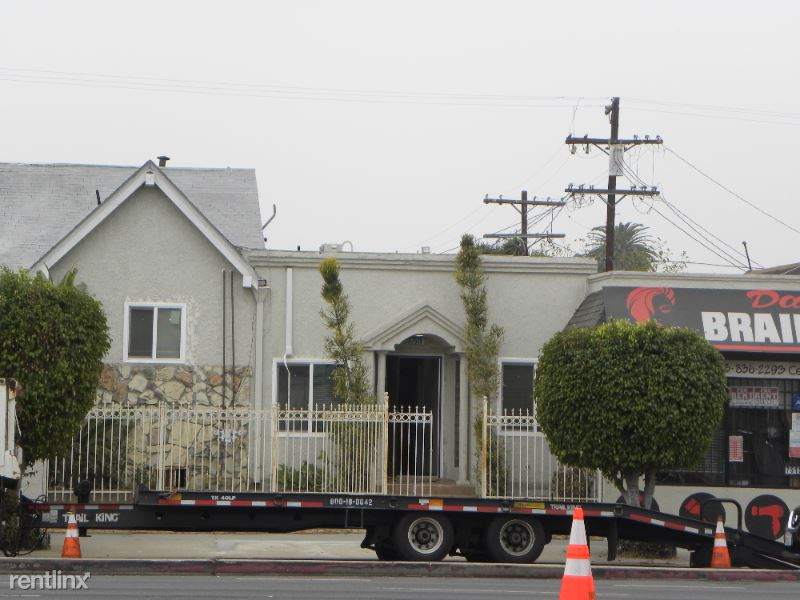 7519 S Vermont Ave, Los Angeles, CA - 2,100 USD/ month