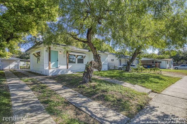 215 Freiling, San Antonio, TX - 1,810 USD/ month
