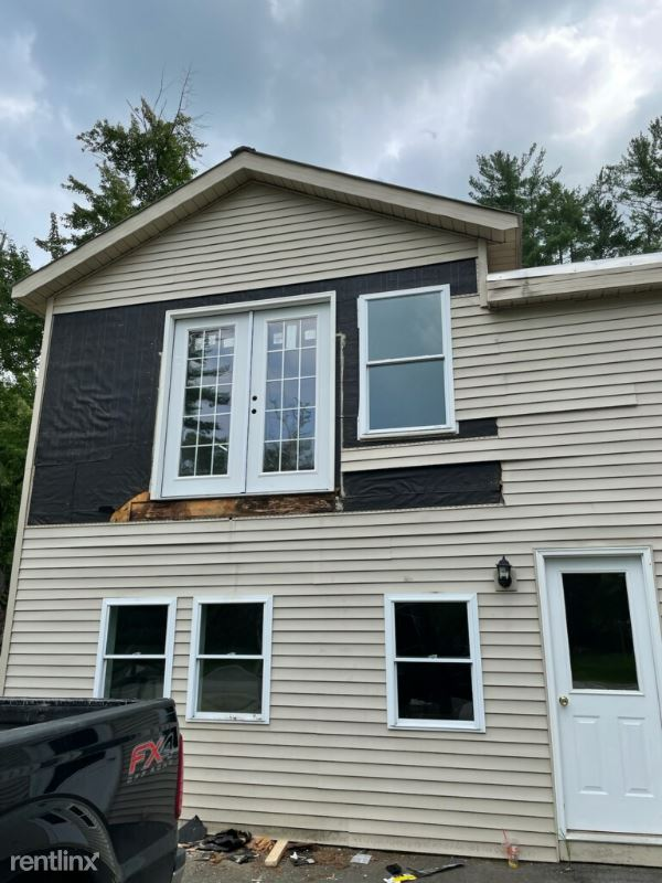 19 Ice House Rd, Fryeburg, ME - 2,900 USD/ month