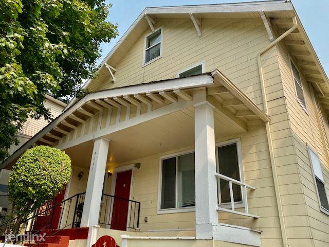 4226 7th Ave NE, Seattle, WA - 1,800 USD/ month