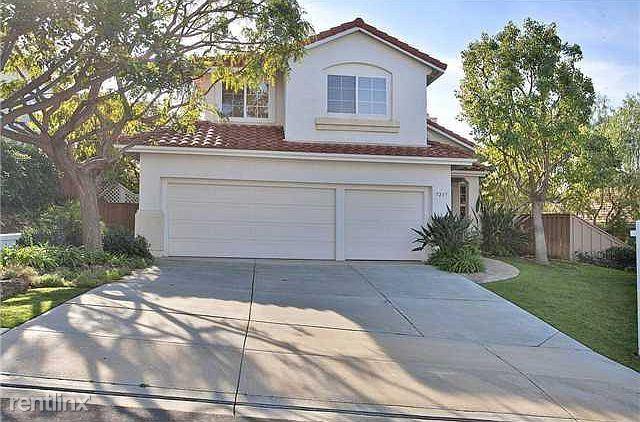 5237 Setting Sun Way, San Diego, CA - 2,100 USD/ month