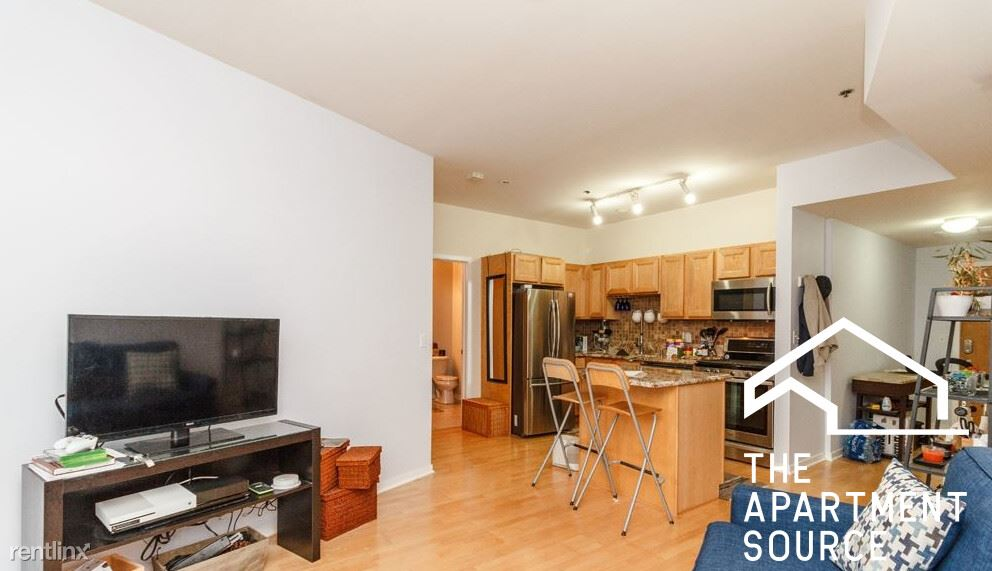 2951 N Clybourn Ave, Chicago, IL - 1,600 USD/ month