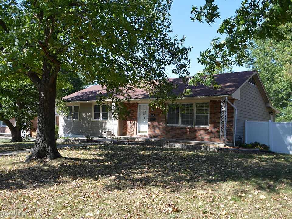 2513 Braemore Rd, Columbia, MO - 1,800 USD/ month