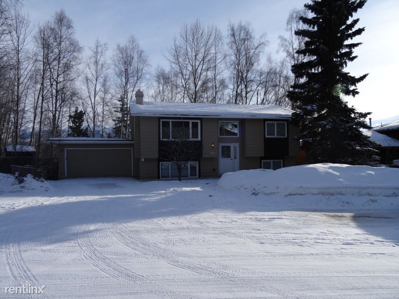 221 Fireoved Dr - 2150USD / month