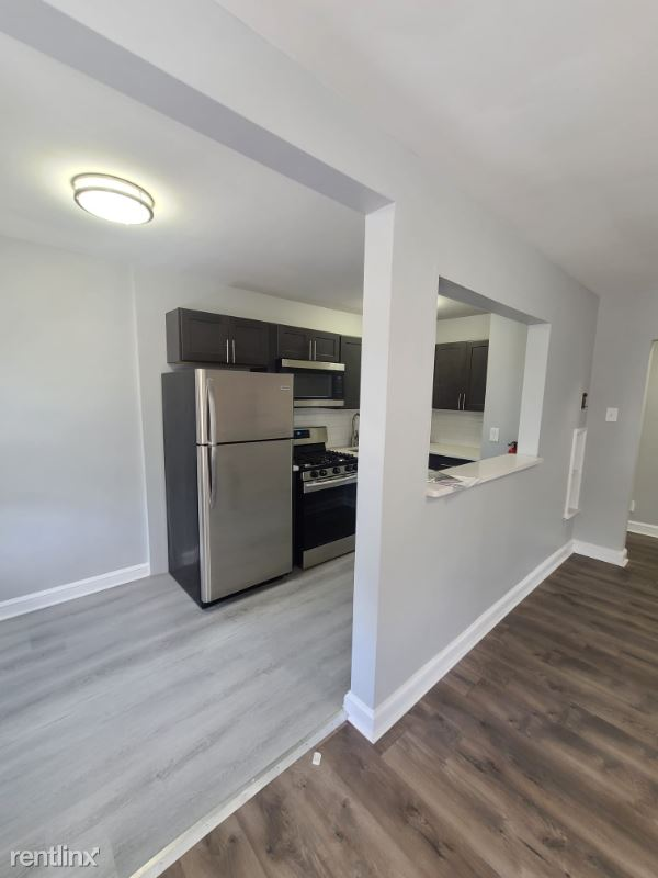 83 S Lansdowne Ave - 1400USD / month