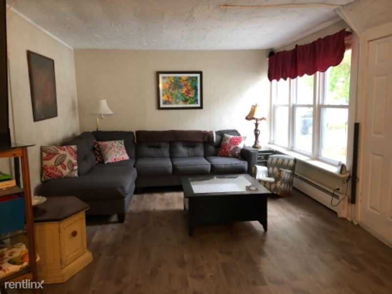New Rochester Rd - 1900USD / month