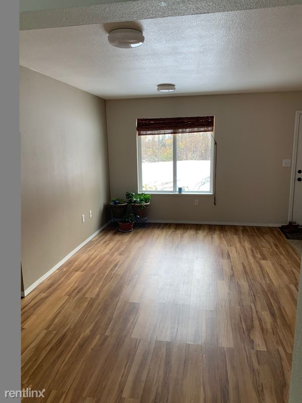 1436 Birchwillow Drive 1 - 2000USD / month