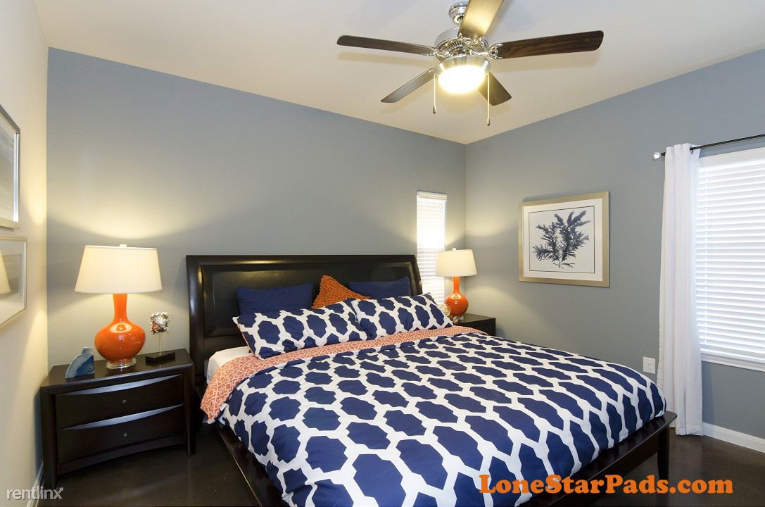 7035 Pickwell Dr, San Antonio, TX - $1,590