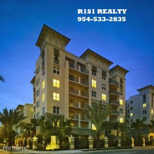 4th and 4th, Ft Lauderdale, FL - $2,332 USD/ month