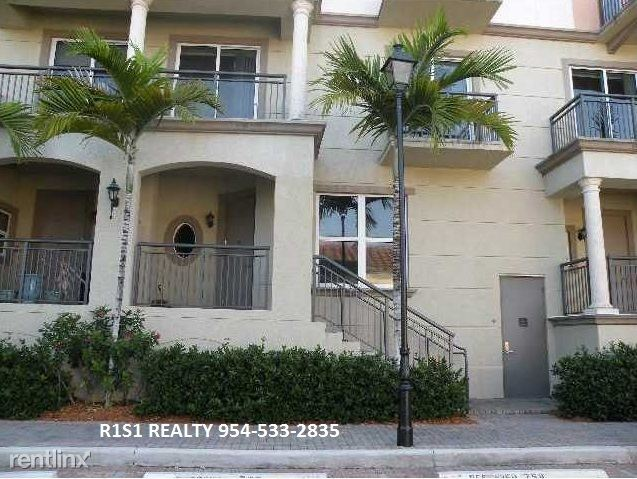 2631 NE 14th Ave, Wilton Manors, FL - $3,100