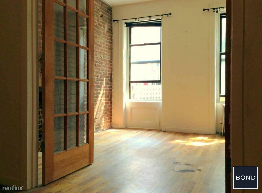 405 W 49th St, New York, NY - $2,950