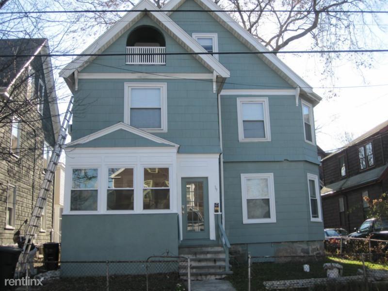 39 Pratt St # SF1, Allston, MA - $11,250