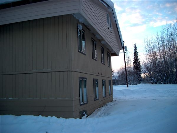 2056 Jackson St, North Pole, AK - $1,895