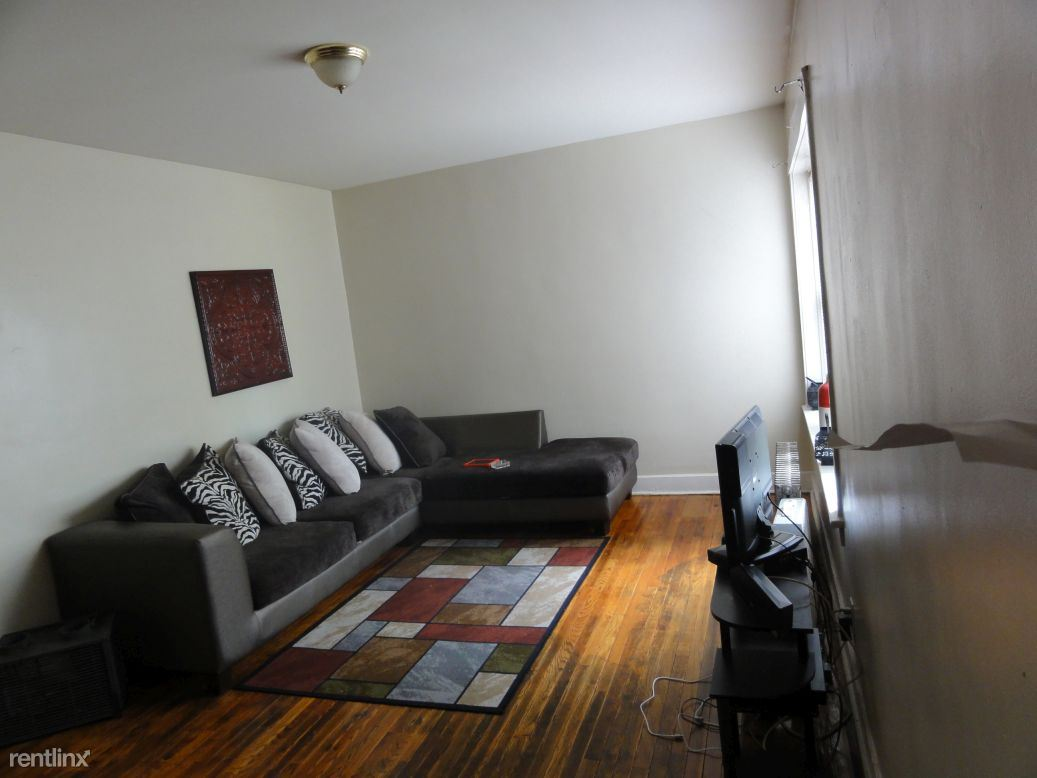 6727 S Paxton Ave, Chicago, IL - $6,640 USD/ month