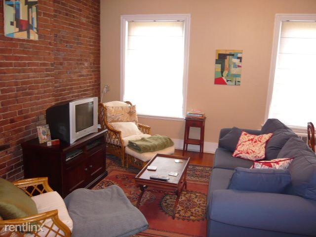 435 Hanover St Apt 3D, Boston, MA - $2,695