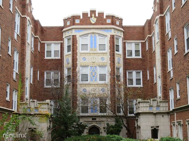 6719 S Paxton Ave, Chicago, IL - $640 USD/ month
