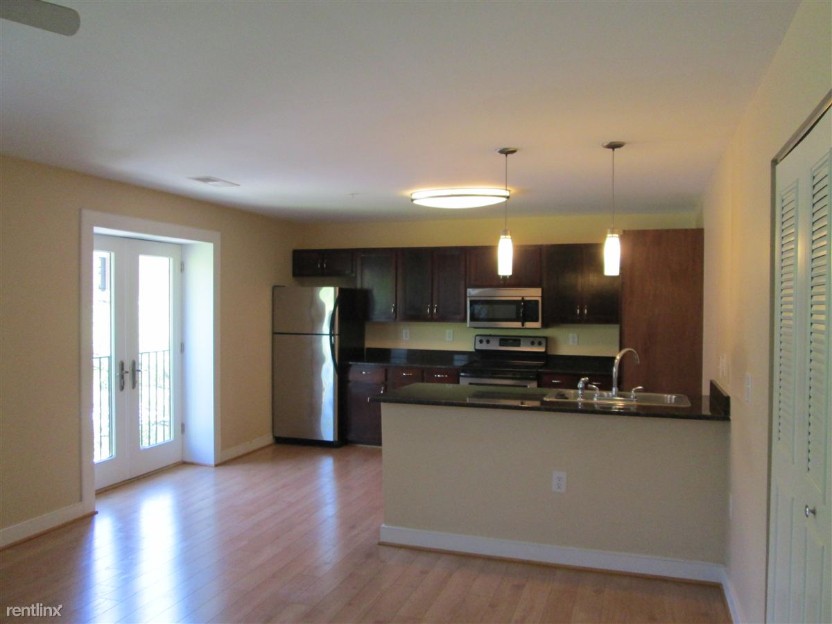 470 Middle St, Portsmouth, VA - $1,300