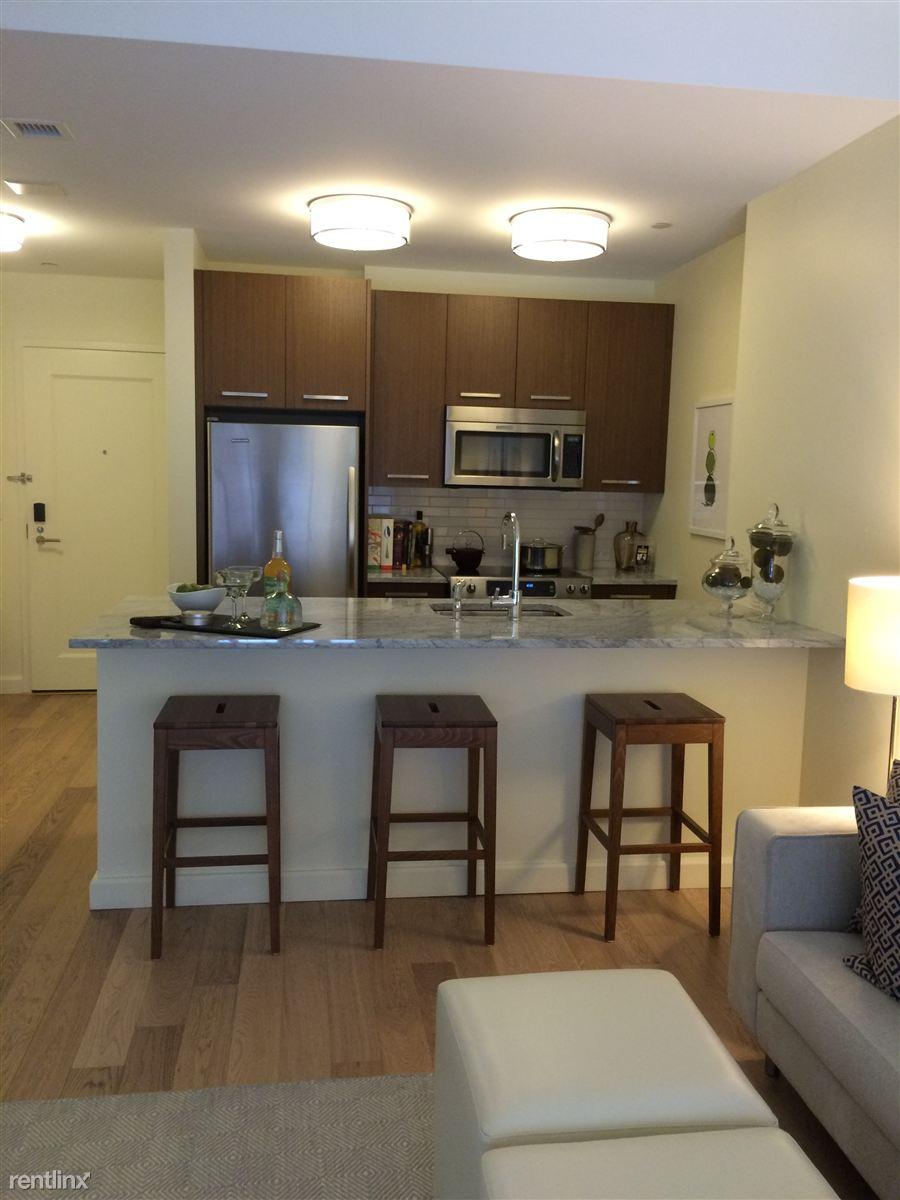 Apartments Near FINE Mortuary College | College Student Apartments