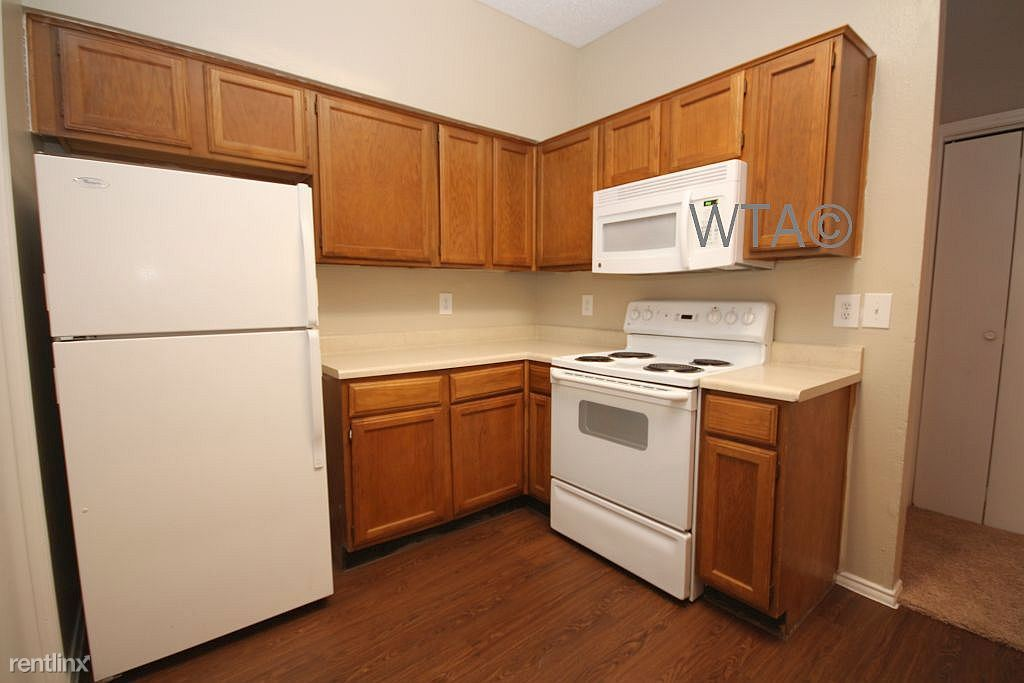 8617 Spicewood Springs Rd, Austin, TX - 825 USD/ month