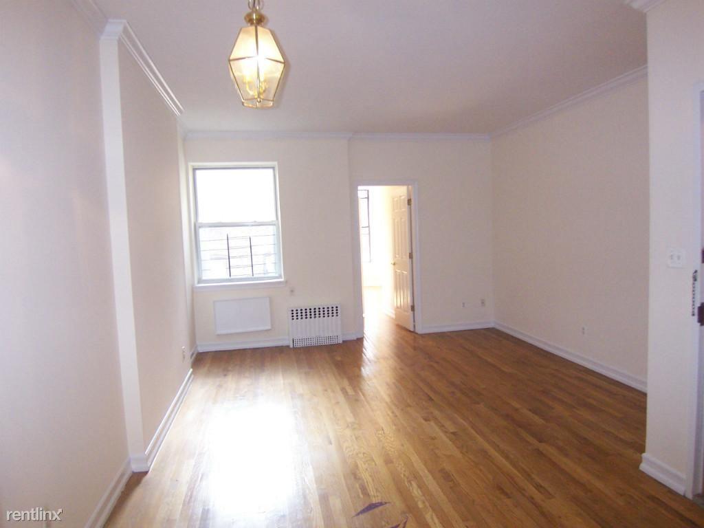 210 W 104th St, New York, NY - $2,450