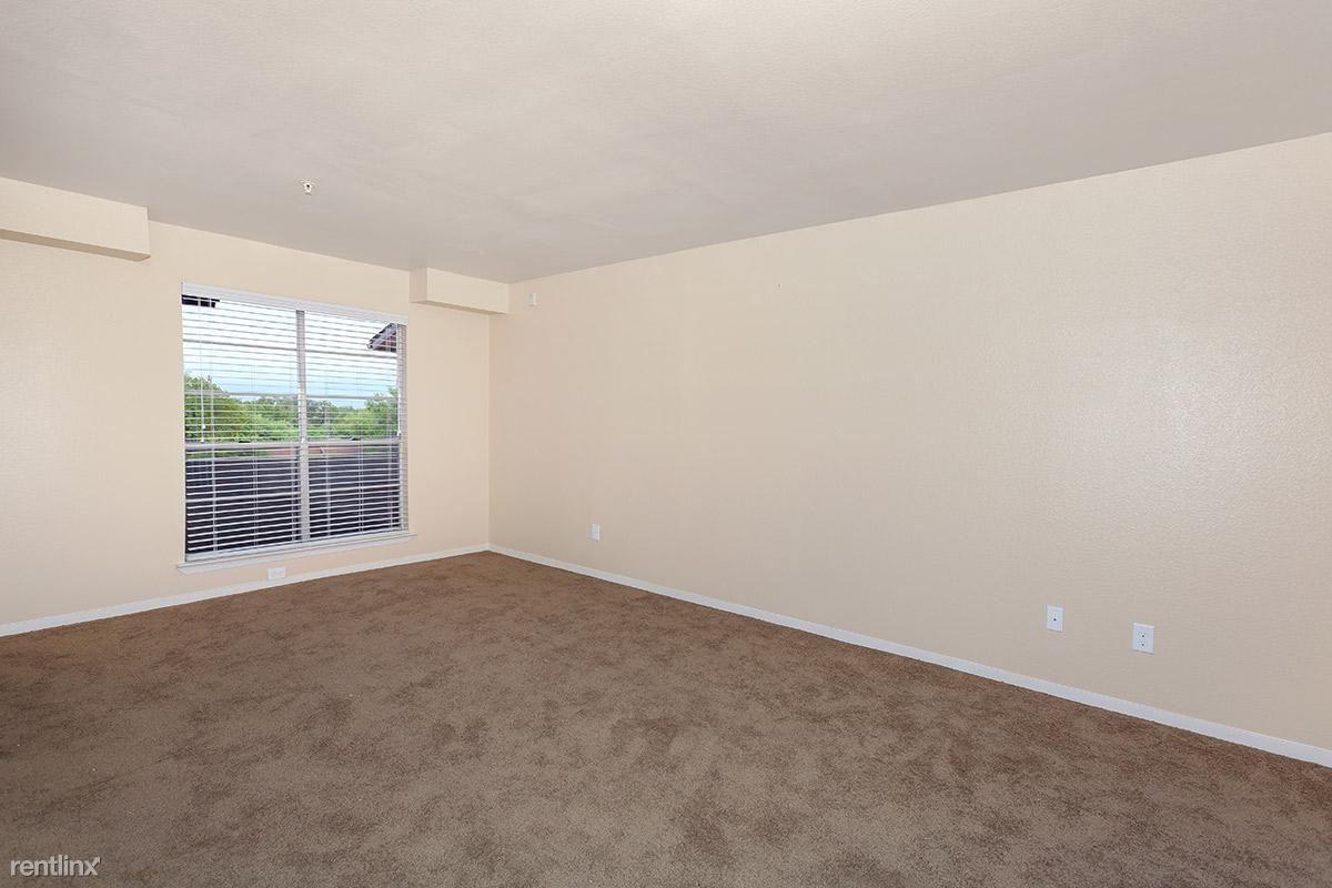 3325 Willowcrest Dr # 308B, North Richland Hills, TX - $1,325