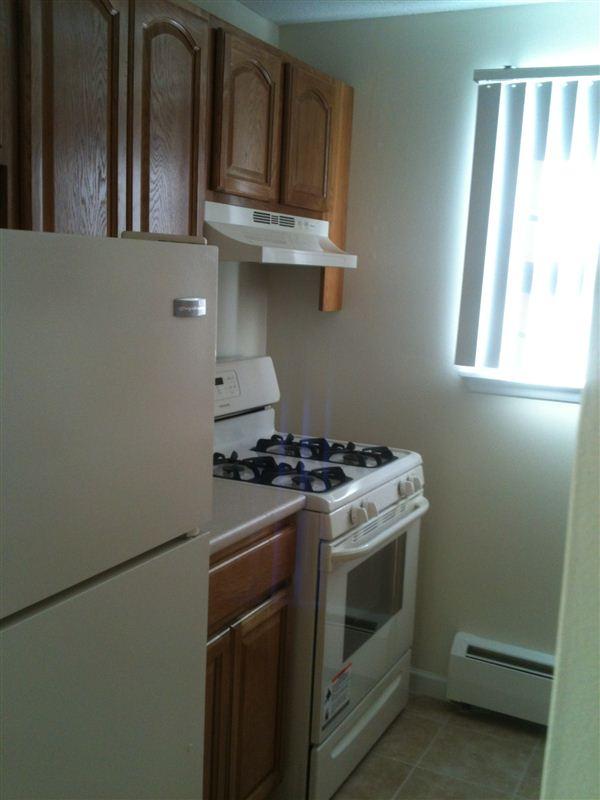 966 Silas Deane Hwy, Wethersfield, CT - $950