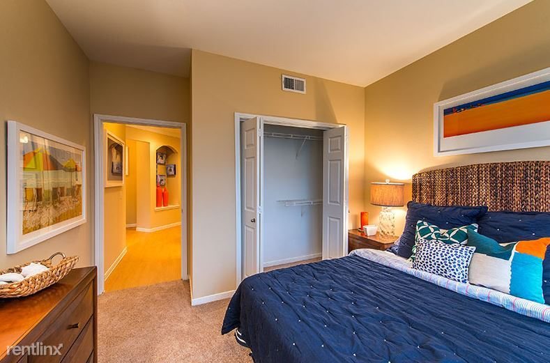 2800 Tranquility Lake Blvd # 1866, Pearland, TX - $930